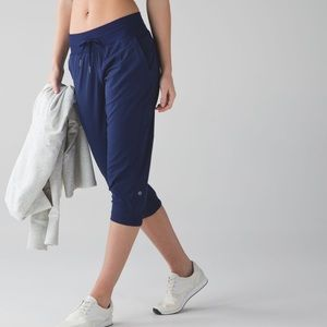 Lululemon Gym to Studio Cropped Pant